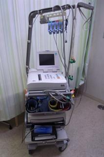 血圧脈波検査装置(心電計付)